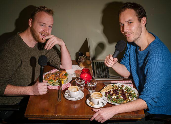 Eten wat de podcast presentatoren